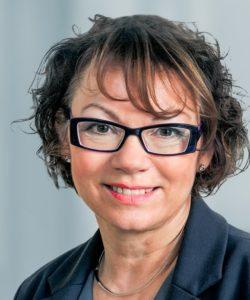 Portraitfoto von Rechtsanwältin Monika Pfarr